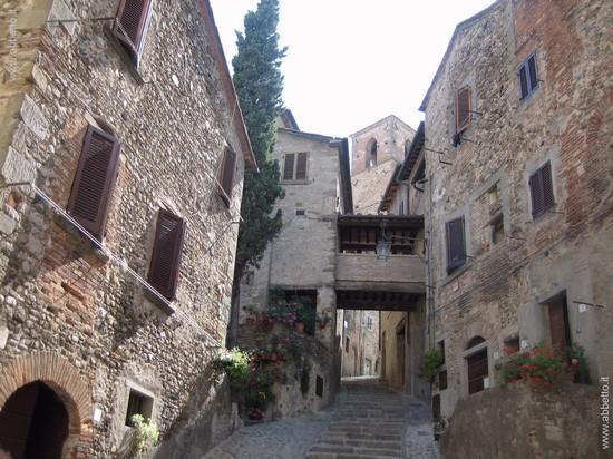 60024_via_della_torre_anghiari_0