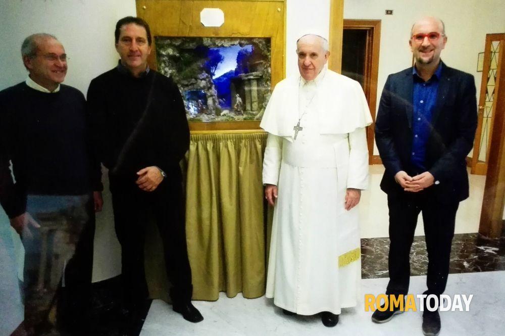 papa francesco presepe monte porzio-2