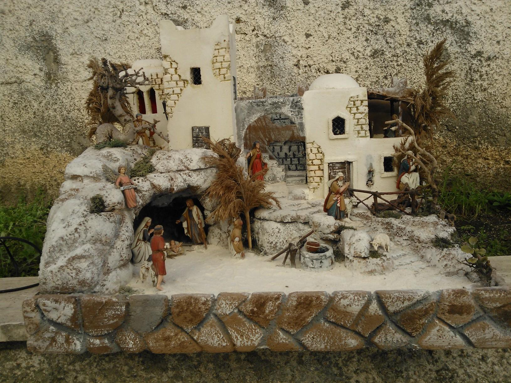 Artisti in mostra 2014 presepi e diorami for Grandi capanne di tronchi